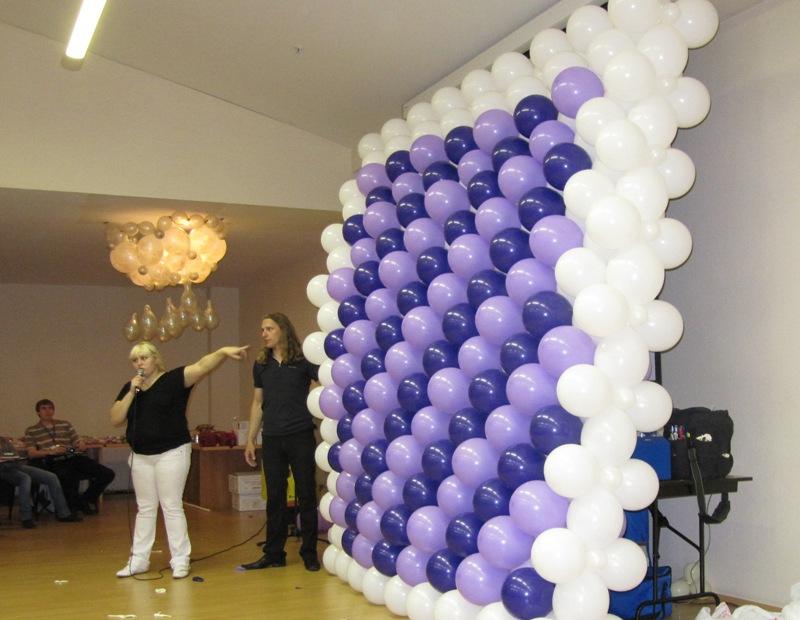 Стена из шаров своими руками 63