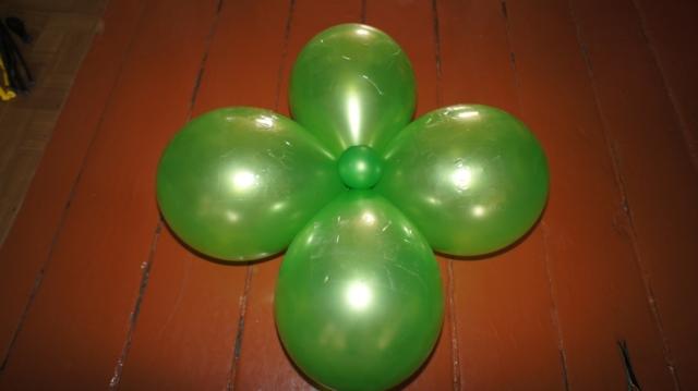 Как сделать из шариков цветок своими руками